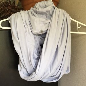 Infinity scarf lululemon